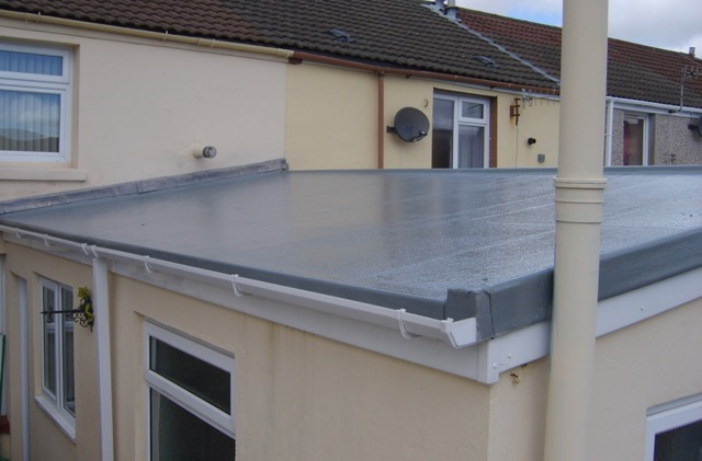 What Are The Pros And Cons Of Flat Roofing In Residential